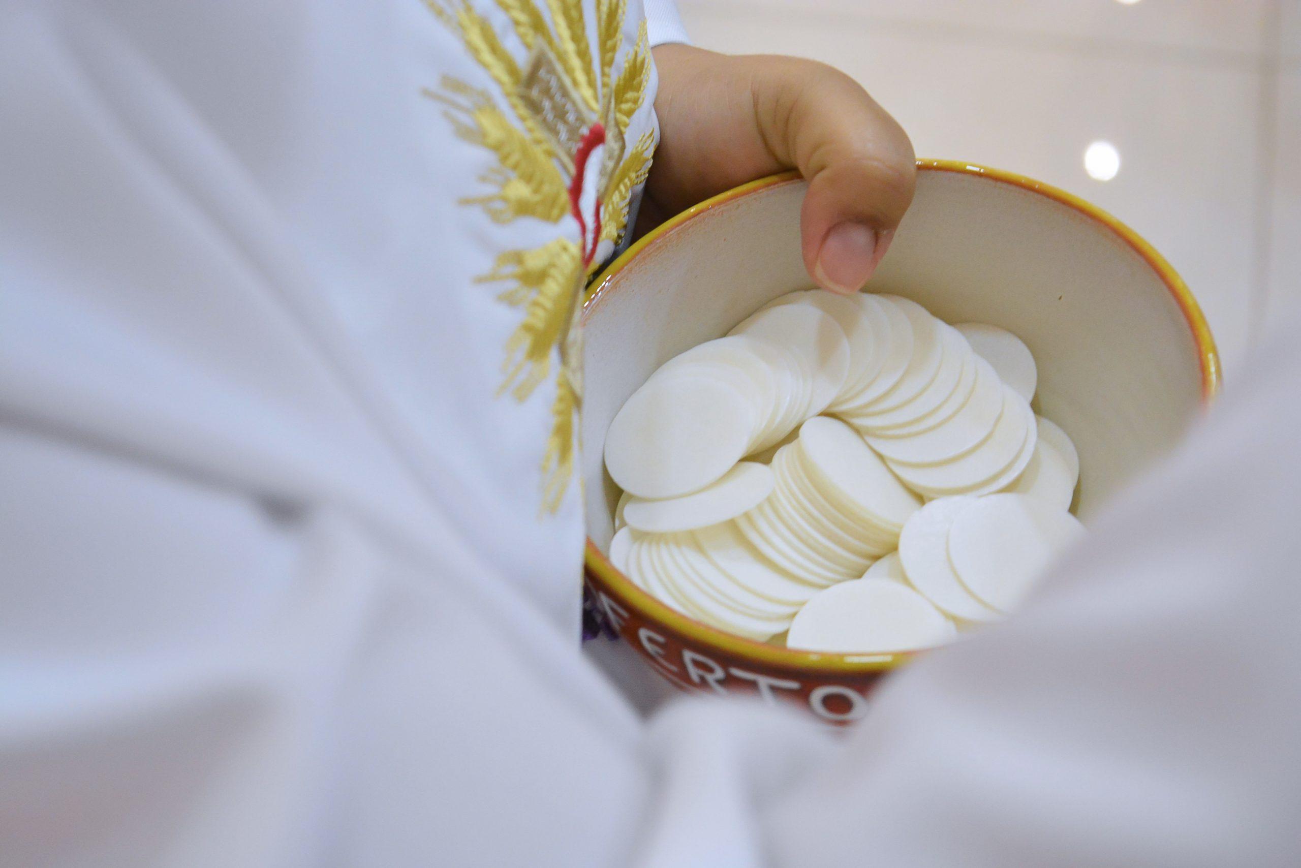 Porter la communion aux personnes âgées ou malades